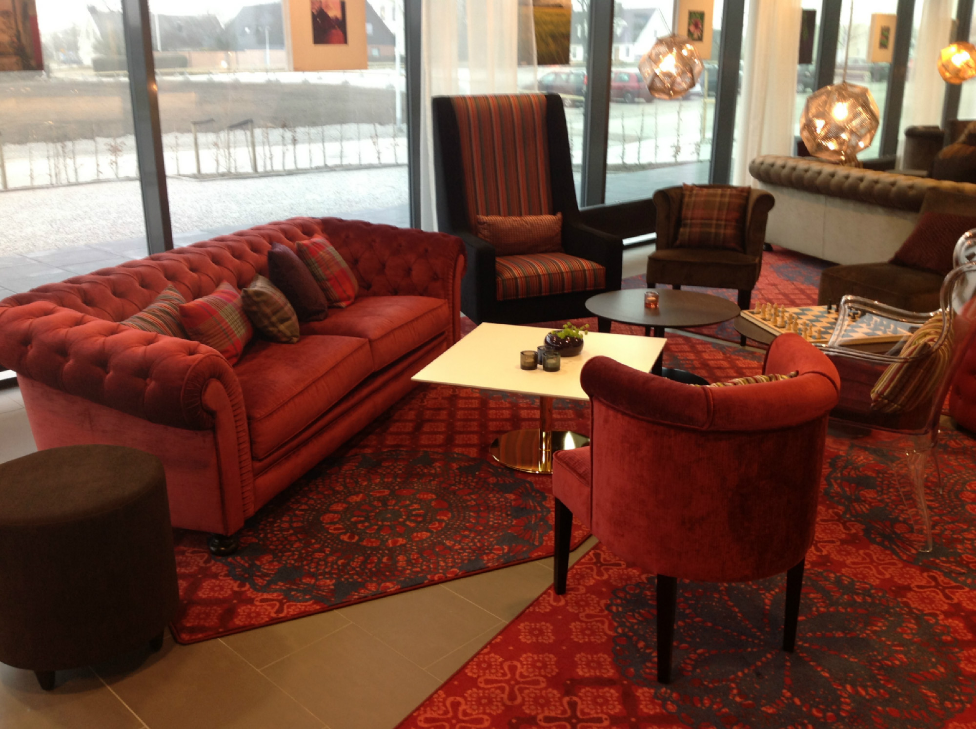 Showroom de mueble cl sico y vintage en madrid betty co for Sofas clasicos madrid