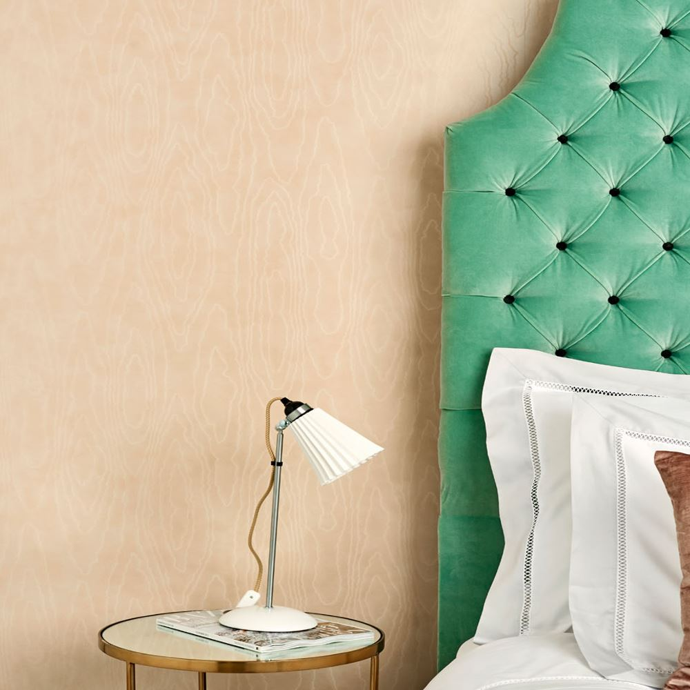 Papel decorativo para pared watered silk 106 1010 en betty co for Papel decorativo pared